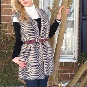 Betsey Johnson zig zag stripe faux fur vest H7